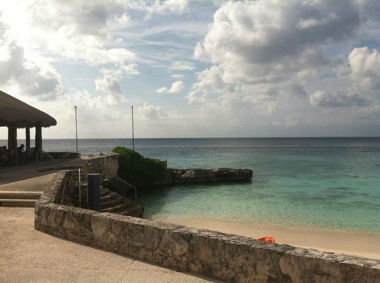 Presidente Inter-Continental Cozumel Resort & Spa : View from the main beach