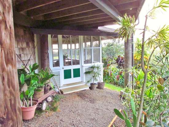 Kakalina's Bed and Breakfast: lanai