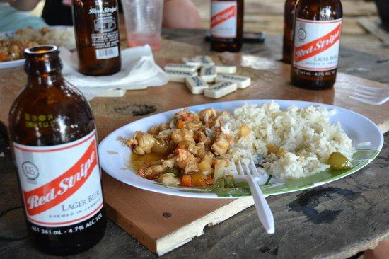 Floyd's Pelican Bar: We had freshly cooked lobster & Red Stripe