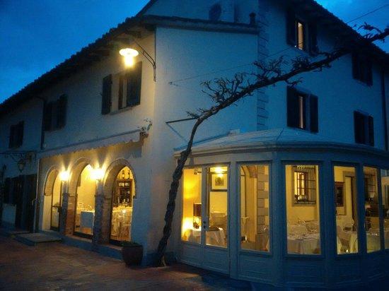 Villa I Barronci : Veduta al tramonto