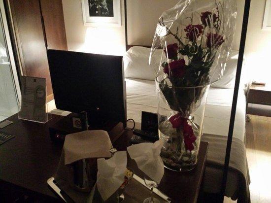 Escalus Luxury Suites Verona: Rose e prosecchino
