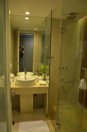 Jinjiang MetroPolo Hotel Classiq Shanghai Peoples' Square : bathroom