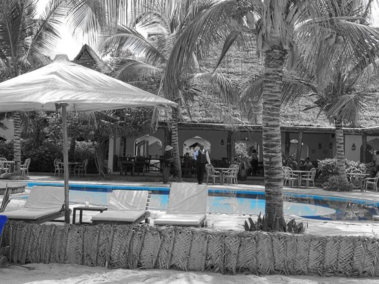Sultan Sands Island Resort: sultan sand piscina