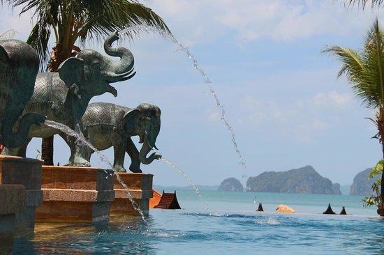 Amari Vogue Krabi : vue de la piscine