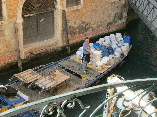 Hotel Canaletto : Kanalblick aus dem Fenster