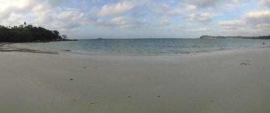 Nirwana Gardens - Nirwana Resort Hotel: main beach area