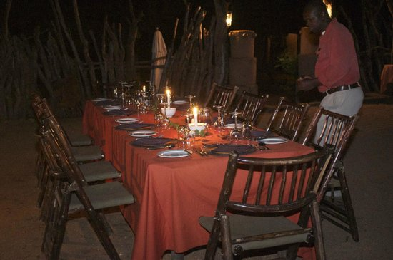 Makalali Private Game Lodge: Cena all'aperto