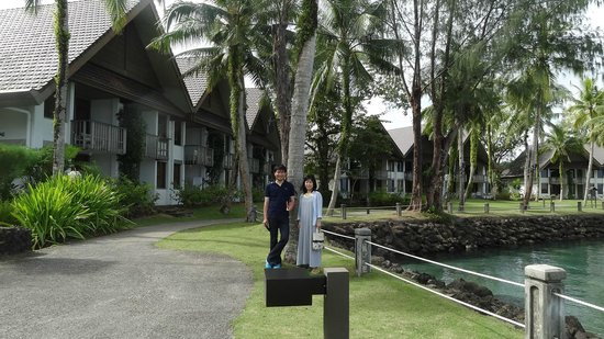 Palau Pacific Resort: 敷地内を散歩するだけでも満足。