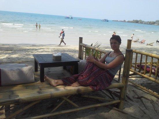 "Flora I Talay Resort: Картина ""Завтрак на песке"" )))"
