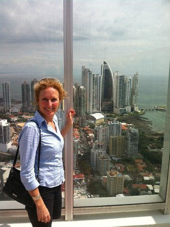 Barefoot Panama: Absolutely loved the city view from the 39th floor. Yikes!