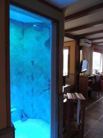 Charming - Luxury Lodge & Private Spa: Sauna Finlandesa e ducha Escocesa, na suíte.