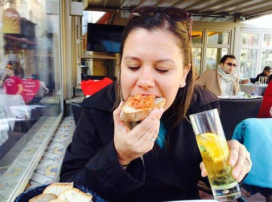 Syrenuse: Bruschettas e soda de limão siciliano