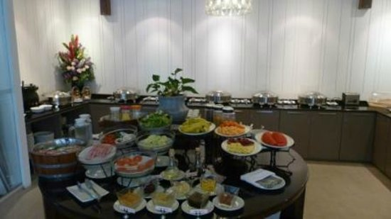 Bliston Suwan Park View: Breakfast buffet