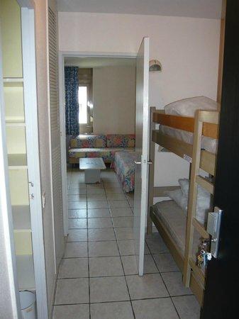 Residence Couleurs Soleil : coin cabine lits superposés studio 4