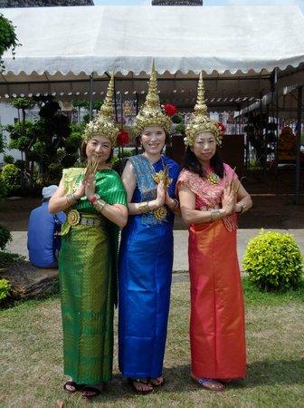 Templo del Amanecer (Wat Arun): レンタル民族衣装