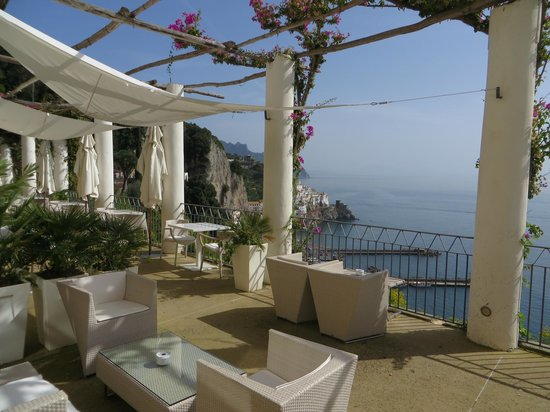 NH Collection Grand Hotel Convento di Amalfi : Beautiful Terrace View