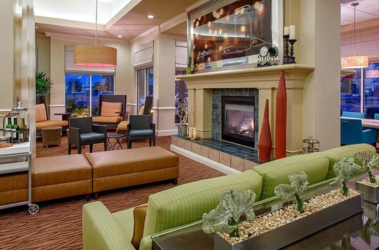 Hilton Garden Inn Baton Rouge Airport: Hotel Lobby
