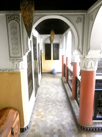 Riad Princesse du Desert: Beautiful hallway!