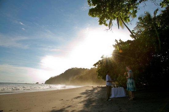 La Mansion Inn: The beach near the hotel (it's quite a walk down the hill)