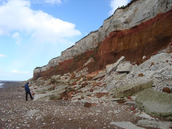 Manor Park Holiday Park - Park Resorts : hunstanton cliffs