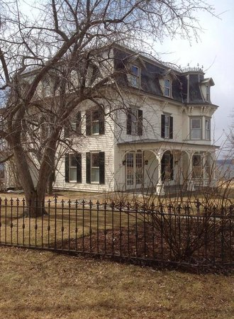 E.B. Morgan House: The Farmhouse at MacKenzie-Childs