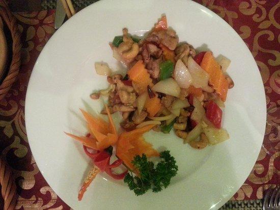 Essence Restaurant: tasty cashew nut chicken