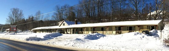 Sleep Woodstock Motel: A snowy winter at Sleep Woodstock