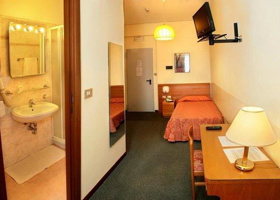 Hotel Rosengarten : Camera singola dependance