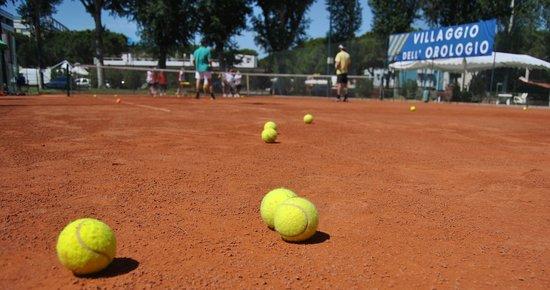 Tennis Academy Villaggio dell'Orologio : tenniscamp in italien