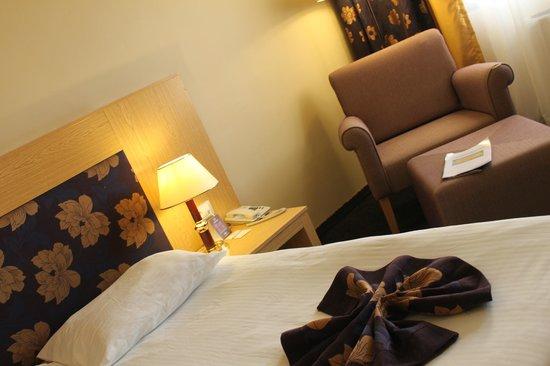 Perissia Hotel & Convention Center: chambre