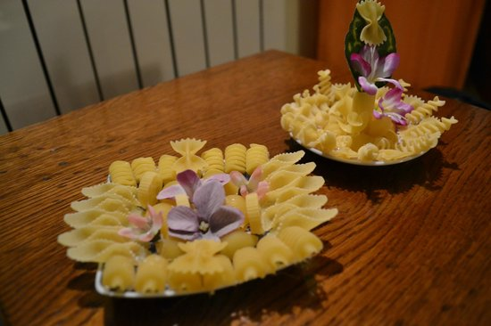 La Chiocciola: The gifts that we received, made from macaroni