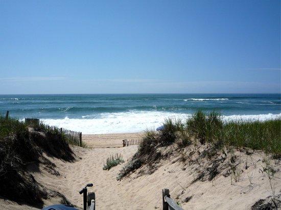 White Sands Resort: Alla spiaggia