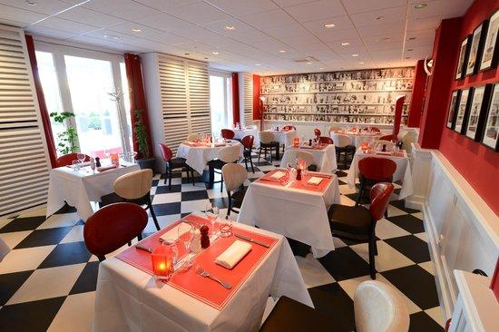 Rouge & Blanc - Les Maritonnes : La Salle Moulin à Vent