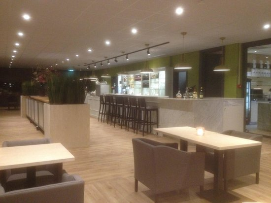 Best Western Plus Rotterdam Airport Hotel: New bar restaurant opened march 2014.