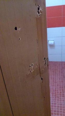 Hotel JK International: damaged door
