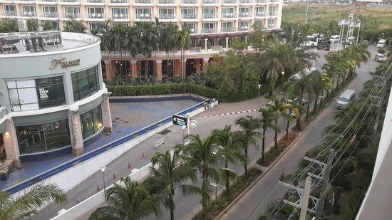 Sleep With Me Hotel: Вид из окна