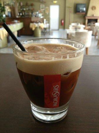 Hotel Apartments Kleopatra: Organic Freddo Espresso With Honey