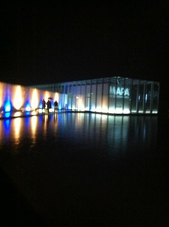 Stiftung Insel Hombroich: outside museum, by night