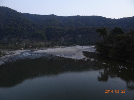 WelcomHeritage Corbett Ramganga Resort: river view
