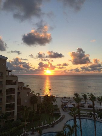 The Ritz-Carlton, Grand Cayman: Gorgeous Sunset from our room