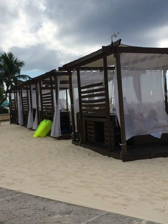 The Ritz-Carlton, Grand Cayman: Beach Cabanas