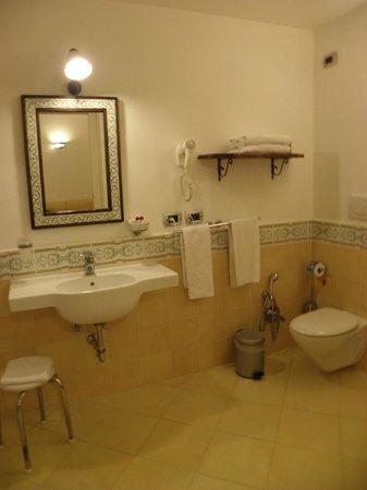Hotel L'Antico Convitto: バスルーム