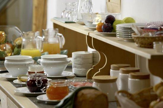 Hotel ENGIADINA: Frühstücksbuffet