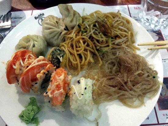 Buddha Restaurant: sushi, ravioli al vapore, spaghetti di soia e spaghetti di riso
