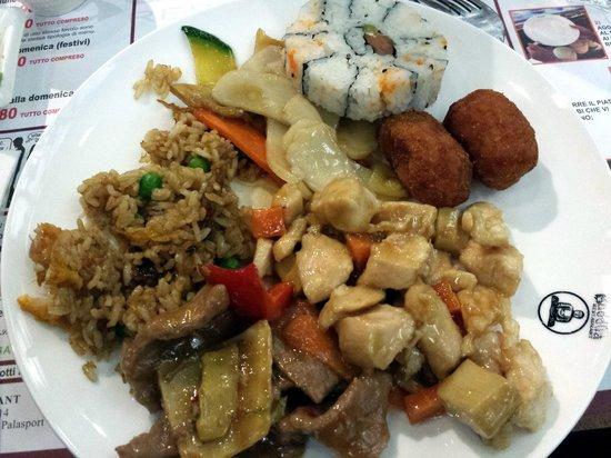 Buddha Restaurant: riso saltato, manzo in agrodolce e pollo alle mandorle
