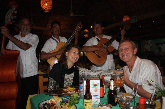 Mariscos Tino´s- La Laguna: Anniversary dinner