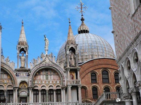 Markusdom (Basilica di San Marco): Vista 1