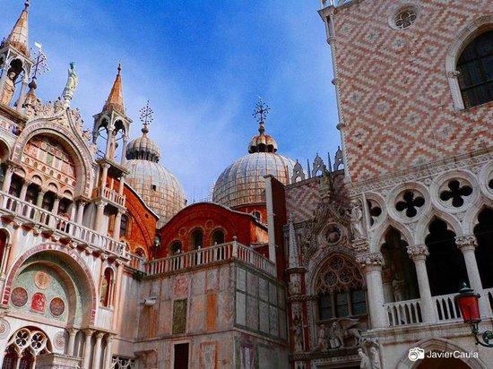 Markusdom (Basilica di San Marco): Vista 2
