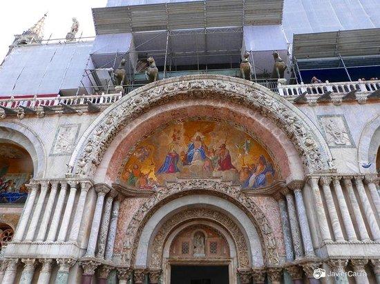 Markusdom (Basilica di San Marco): Vista 3