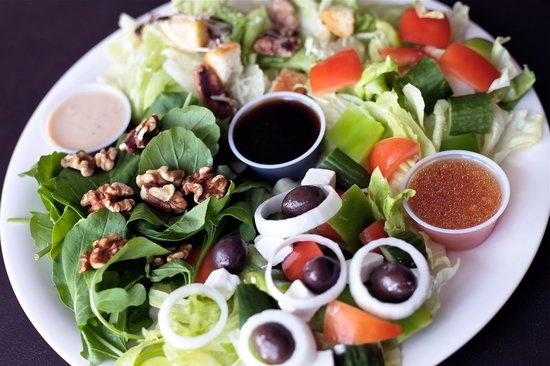 Pizzarific : Top quality salads.